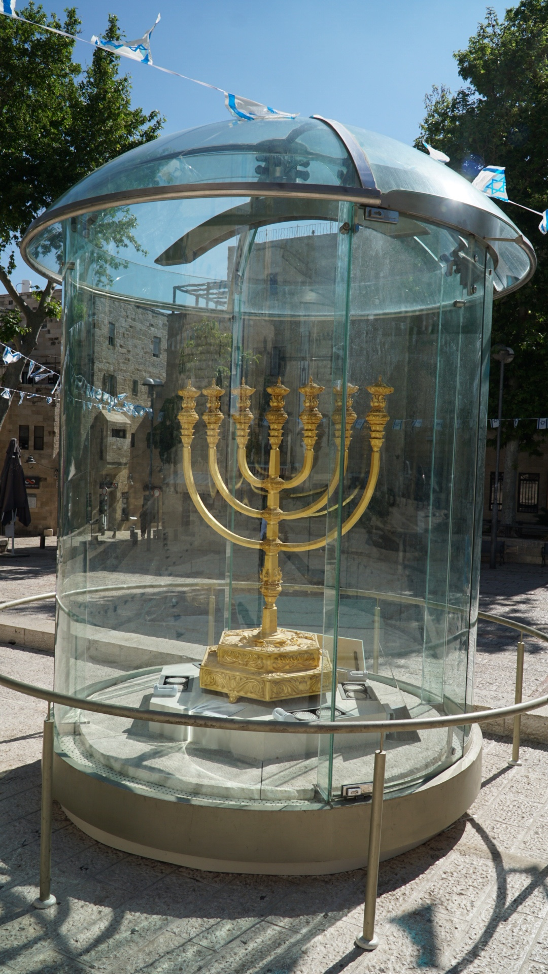 Lamp Stand created by the Temple Institute for the 3rd Temple
